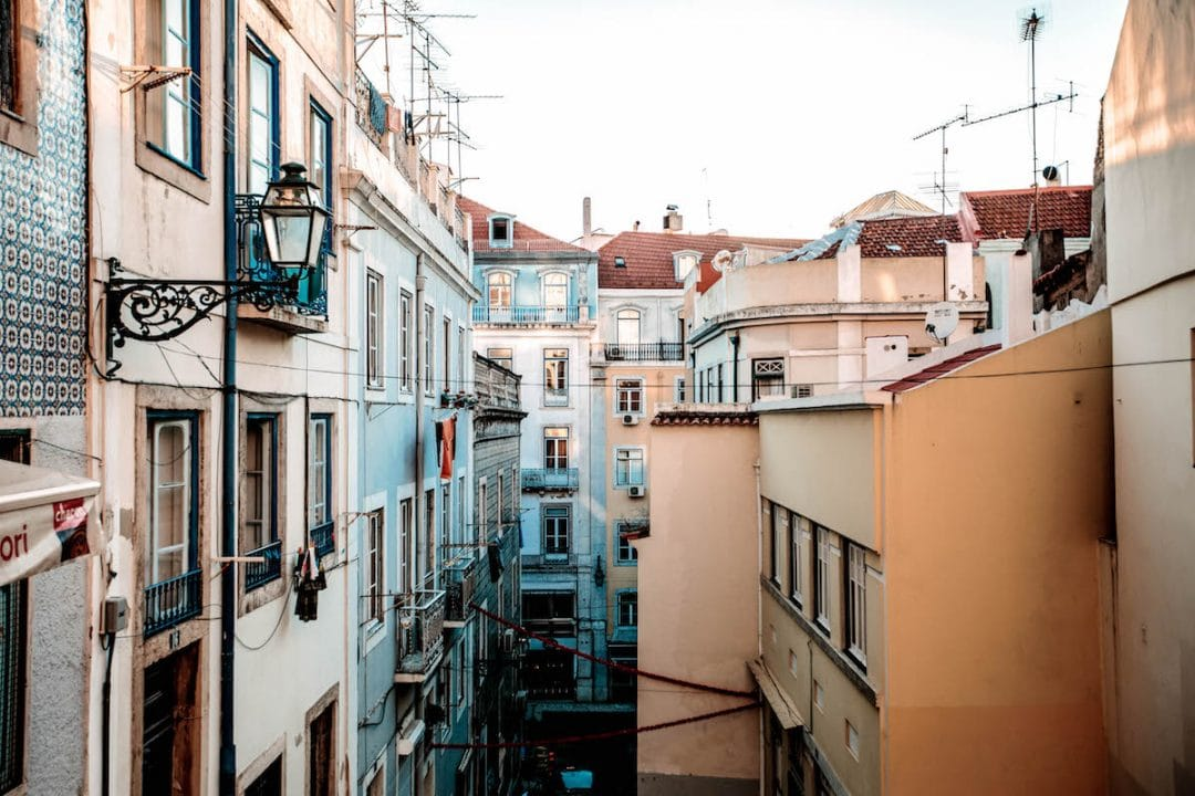 lifestyle blogger hello from lisboa