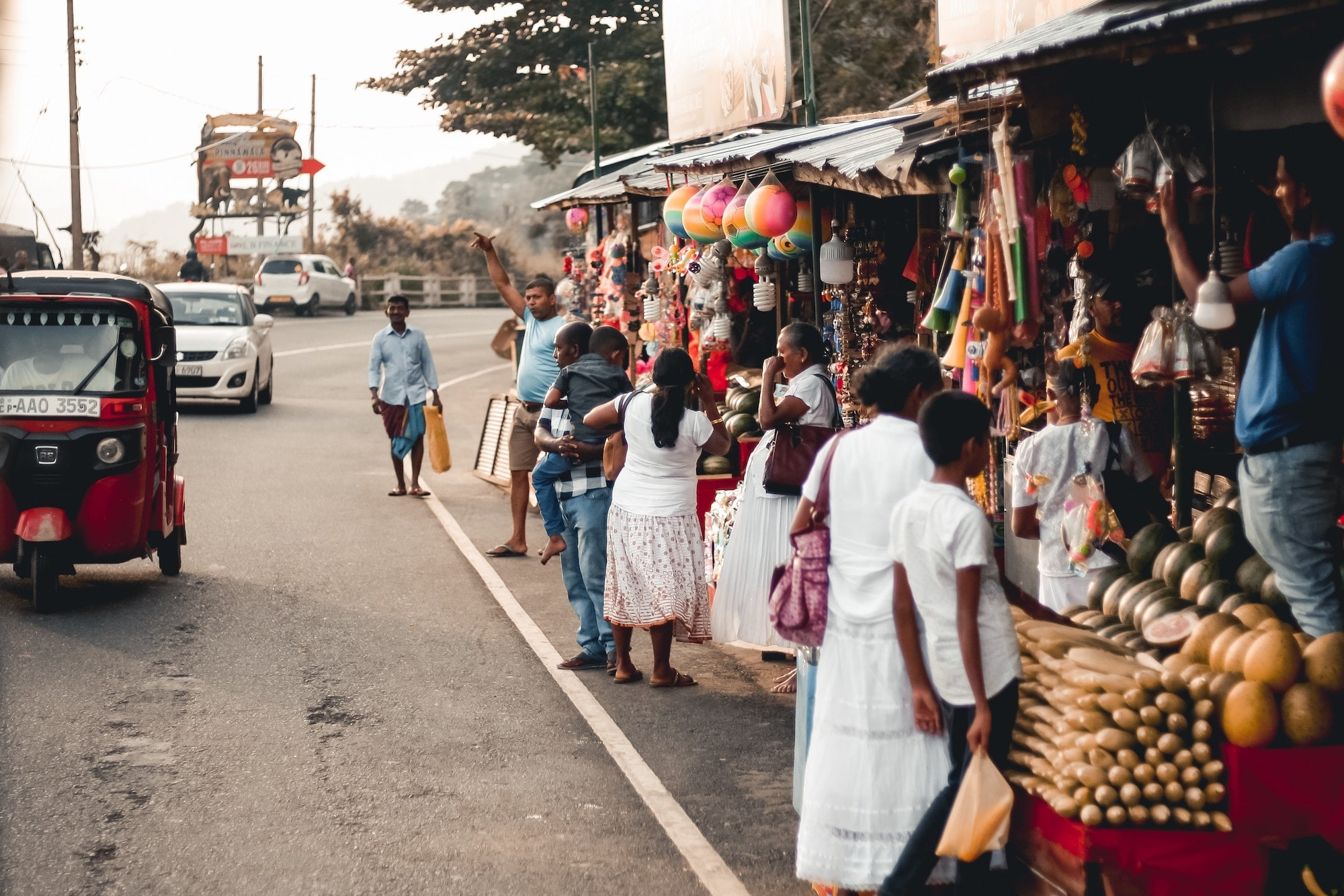 typischer straßen shop in tangalle sri lanka