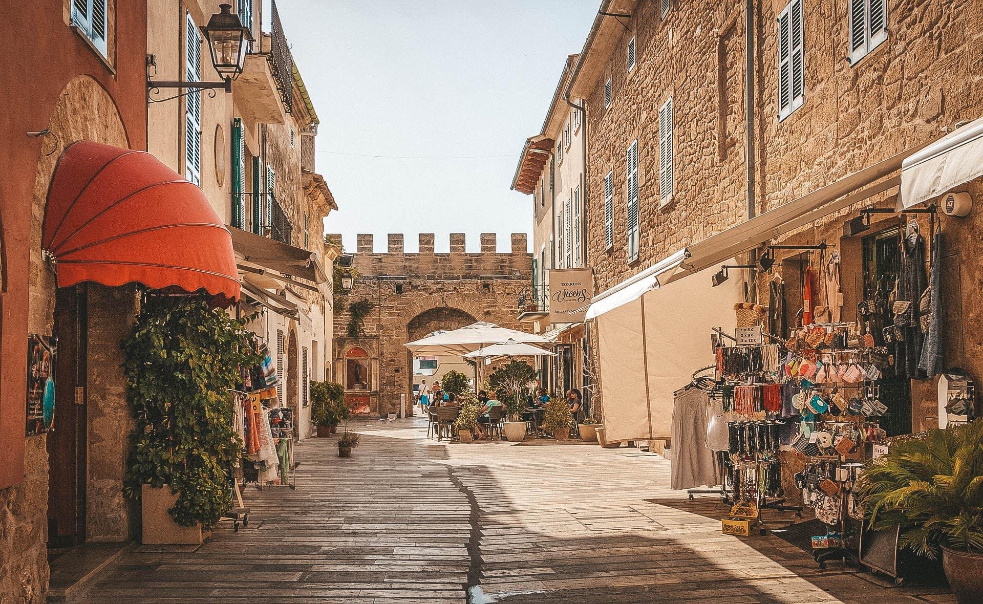 markt in alcudia auf mallorca
