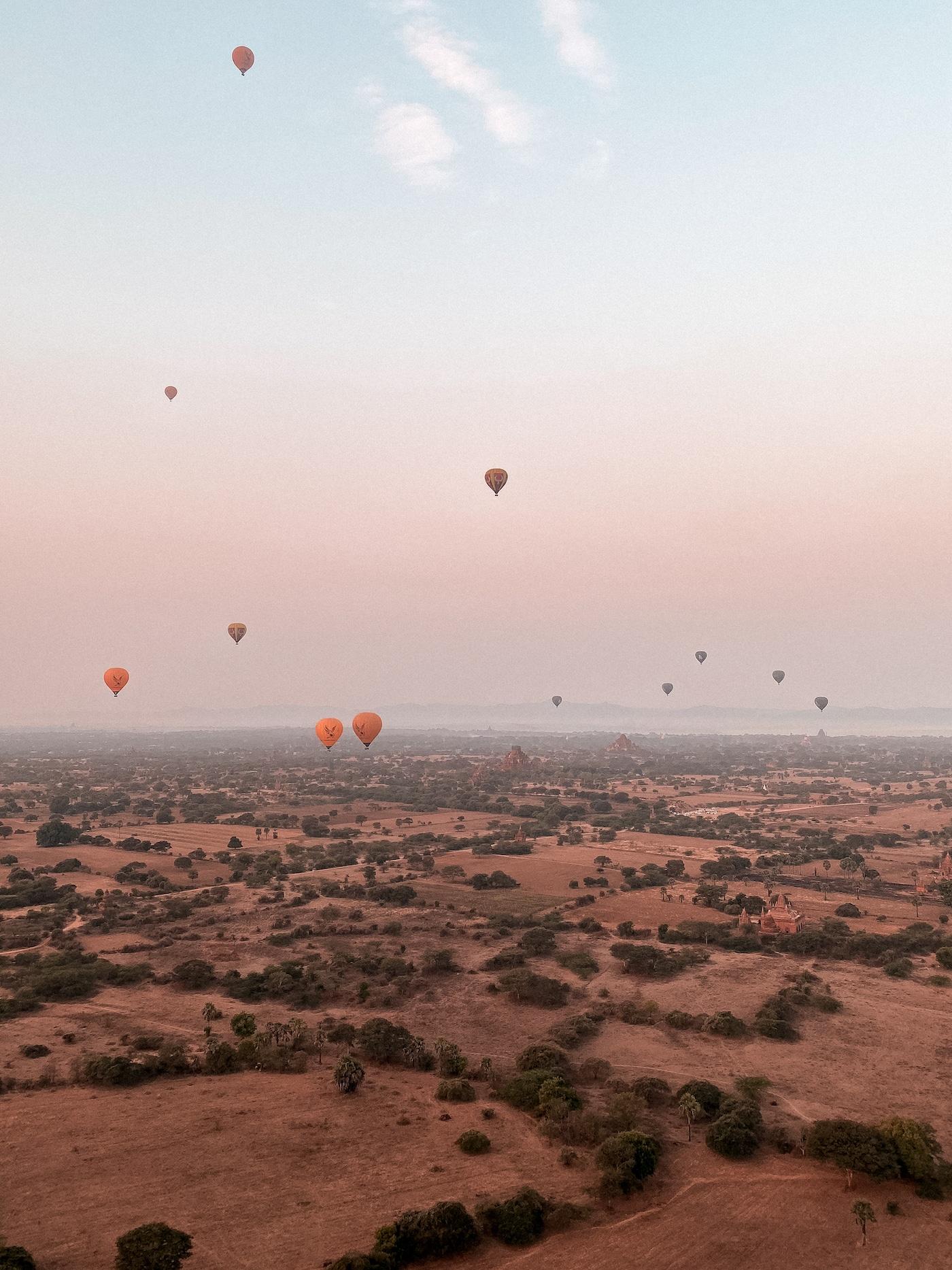 Ballonfahrt über Bagan Aussicht