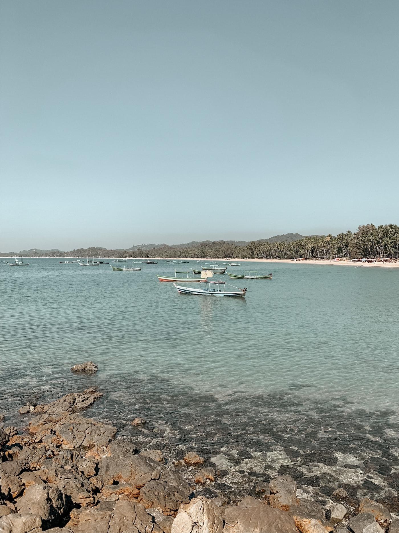 fischerboote bucht ngapali beach