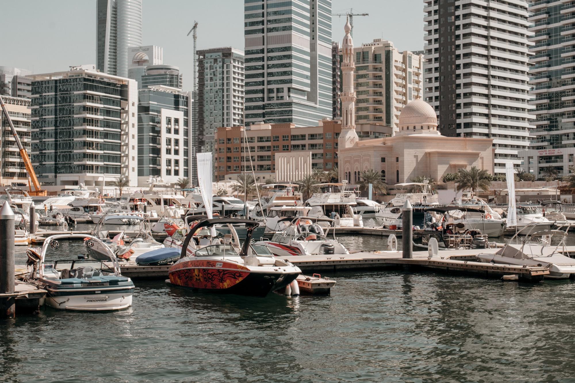marina walk dubai yachten