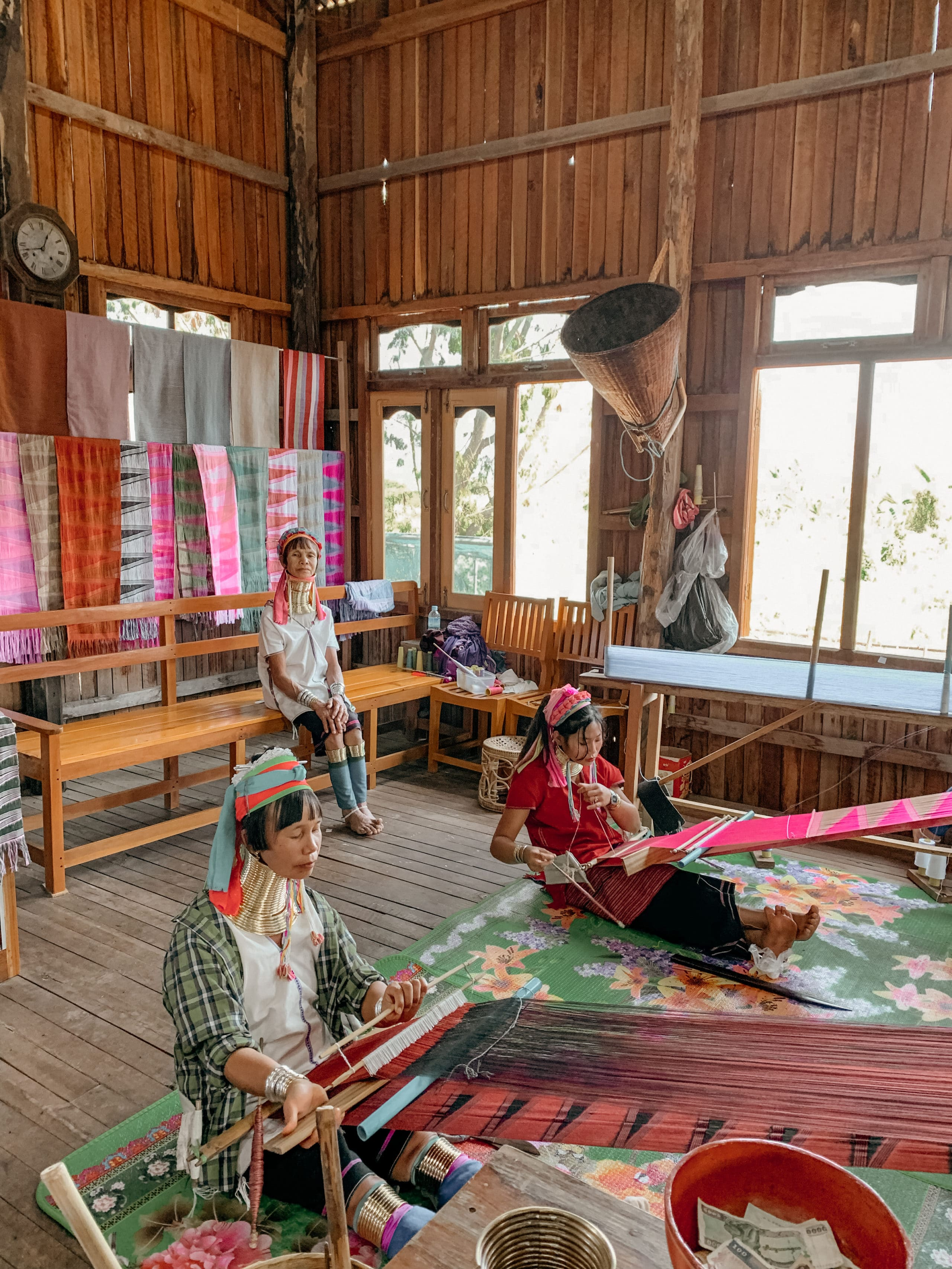langhalsfrauen myanmar inle lake
