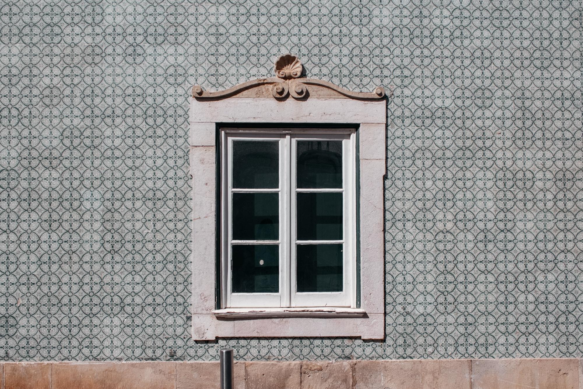 fliesen portugal hauswand